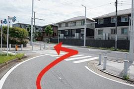 さくら都市 千葉支店 交通案内(おゆみ野駅より)2.駅ロータリーを出て左折