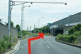 さくら都市 千葉支店 交通案内(蘇我ICより)2.3つめの信号を左折し、道なりに進む